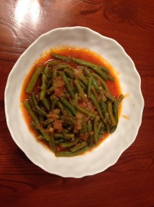 Stewed green beans with tomato and olive-oil
